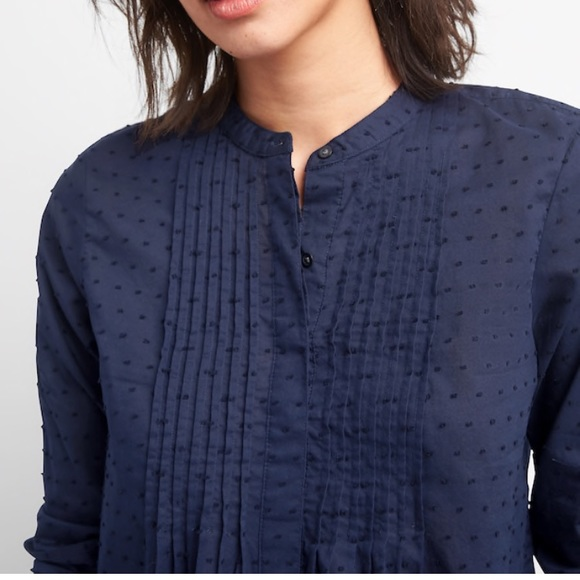 998a3bed90a62 New Gap Popover Pin-tuck Shirt with Swiss Dots